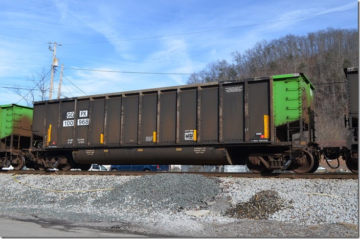 The entire train was GGPX tubs built by Johnstown-American in 1998. GGPX tub 100968.