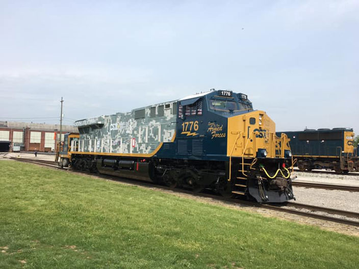 CSXT 1776. Honoring Our Veterans. View 2.