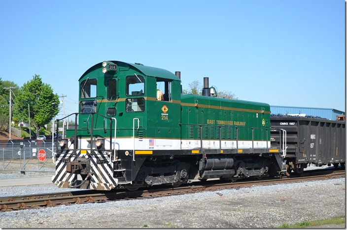 East Tennessee Ry. SW-1200 214 switches a metals recycling facility at Johnson City in April 2015. ETRY is now part of the Genesee & Wyoming family. ETRY SD1200 214 Johnson City TN.