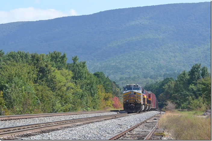 KCS 4607-3951-3955 Page OK - Ozark mountains in the background.