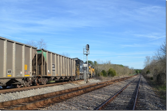 The CSX Kingsport SD and passing siding are on the right looking south. No. 778-17 will loop back over CSX and head southwest toward Bulls Gap TN on the former Southern. NS 9733. Waycross TN.