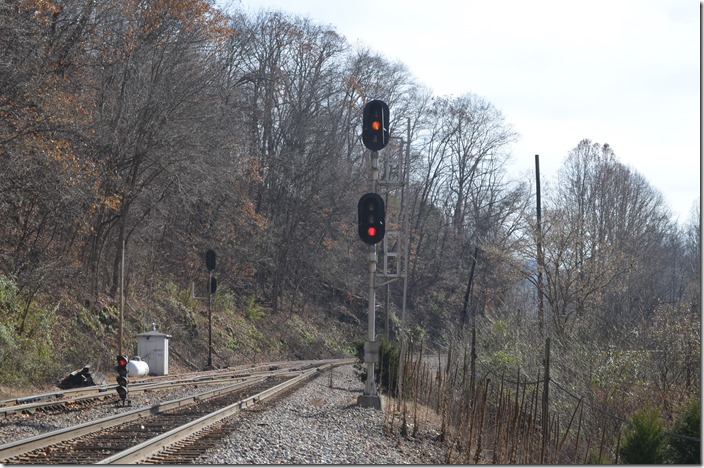 Approach signal for a southbound on CSX at Boody.