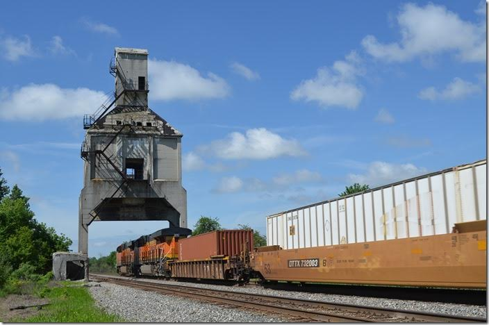 BNSF 8137-7944 barrel by with e/b intermodal 26N-20 (Chicago-Ashland Ave.-Rickenbacker OH). Harvey OH.
