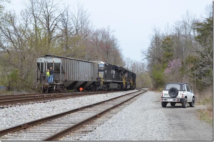 T32 has dropped their Appollo loads in the yard and will now pull Four Rivers Coal. CSX authority would begin just around the curve. NS 1095 Middlesboro KY.