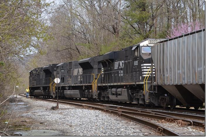 T32 shoves back. The brakeman will close and lock the switch for the main line. This will be reported to the Knoxville West End Dispatcher. NS 1095-7209-8005 Middlesboro KY.