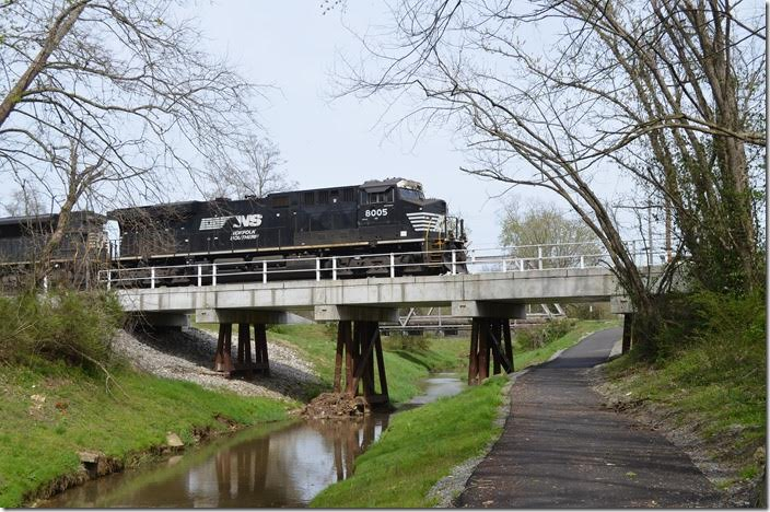 Looks like a great place to get your walking exercise. NS 8005 Middlesboro KY.