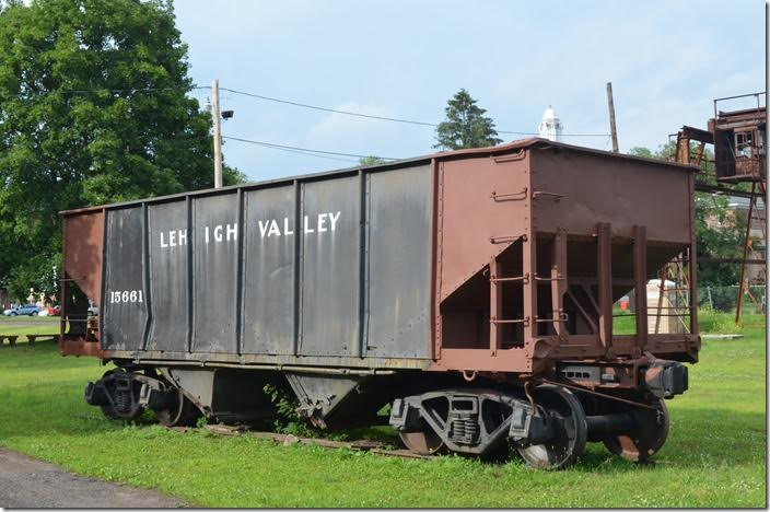 This hopper makes a great addition to the site. LV hopper 15661. View 2. Weatherly PA.