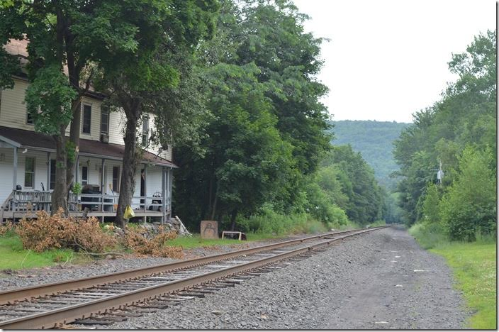 Norfolk Southern's ex-Conrail, nee-Lehigh Valley Hazleton Branch / Ashmore Secondary climbing steep grade into Weatherly PA. This is looking east toward M&H Junction (Mahanoy & Hazleton Jct) down in the Lehigh gorge. 07-12-2017.