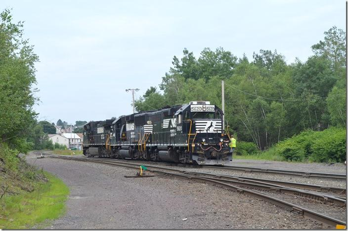 Their day done, H99 heads to the terminal. NS 5620-4616-9370. View 5. Hazleton PA.