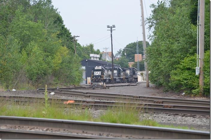 I learned that H98 would report at 11:00 a.m. They would use the two Geeps to switch the industrial park. During the night another job would run down to Lehighton and return. So it is not likely seeing this job struggling up the grade at Waverly in the daylight. Conrail used GP38s and SW1500s. NS 5620-4616-9370. View 7. Hazleton PA.