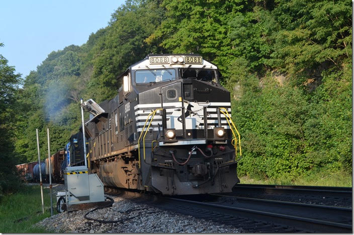 189 came grinding up the hill sooner than expected. NS 8088-7264-CEFX 6019. Ada WV.