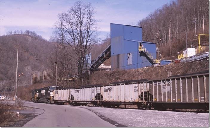 NS 9273-8970 load at Arcelor-Mittal's Dans Branch mine at Eckman. Roderfield.