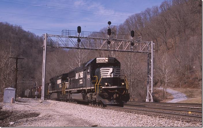 "No. 746 passes the ""Powhatan"" signal at Kyle."
