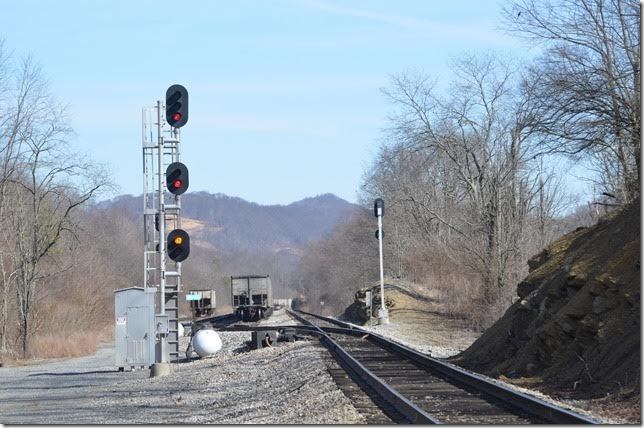 This NS slow approach signal at Bailey Switch VA looked promising, but we had just come from Cedar Bluff and nothing was back there except J73. Bailey VA.