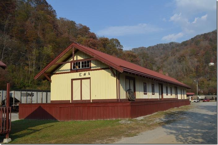 The replica N&W depot at Matewan is also a good museum depicting the Hatfield-McCoy feud and Matewan Massacre. N&W replica depot. Matewan WV.