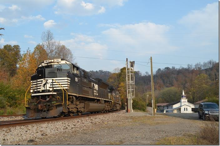 NS 1151-9847-8331 with w/b No. 217-02 (Linwood NC to Chicago) with 39x2 vans. NS 1151-9842-8331. View 2. Sprigg WV.