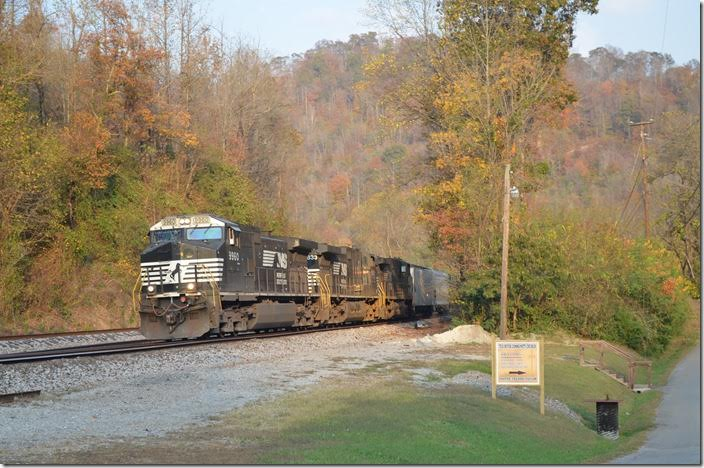 NS 9960-9833-8937 is next with time freight No. 195-02 (Linwood NC to Bellevue OH) with 33 loads and 65 empties. NS 9960-9833-8937. Sprigg WV.