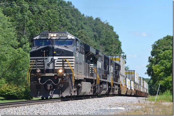 NS 7547-8351-9021 has hold of 56 vans today, all for Rossville (Memphis). Lofton. View 2.
