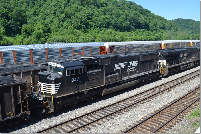 "NS 1847 is a ""SD70ACC"" rebuilt by Progress Rail from SD70 2540. NS 2540 was built in 1994 and rebuilt 12-2019. Williamson WV."