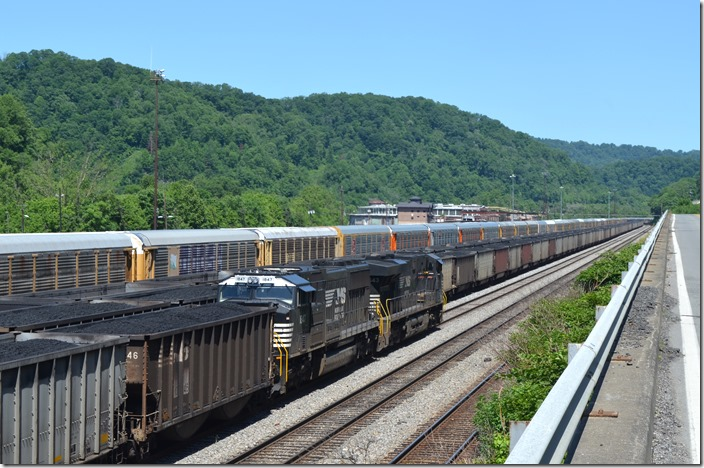There is very little coal in Williamson Yard now. It contains stored multi-levels and gondolas. NS 7643-1847. Williamson WV.