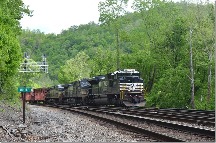 NS 1199-9278-4008 lead w/b time freight 195-06 (Linwood ?? to Bellevue) with 41 loads and 161 empties. White WV. 05-07-2020.