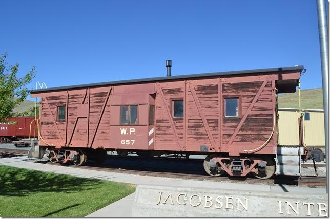 Western Pacific composite caboose 657.