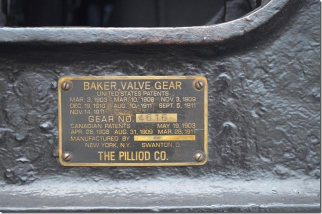 Baker valve gear plate on 475.