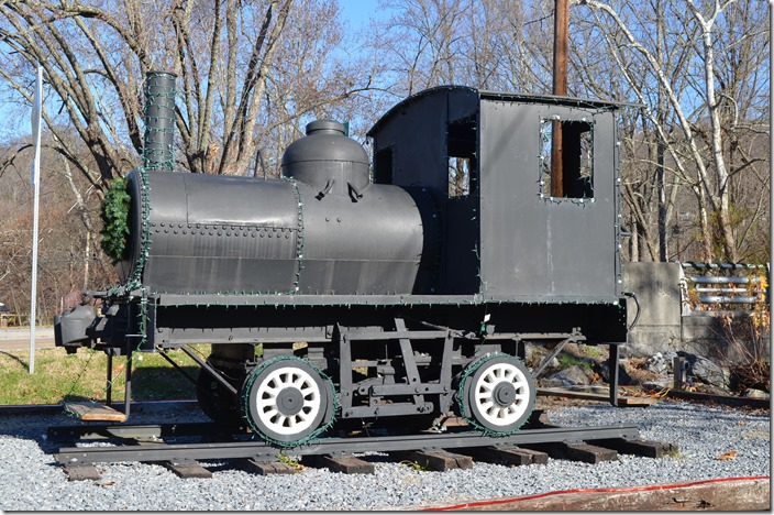 "I'm at a loss to identify this one. Had a chain drive from inside the ""boiler"" and some rudimentary controls inside the cab. Must have been used at the lumber mill. logging loco. Damascus VA"