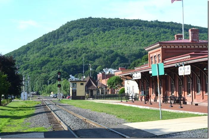 Looking east on the Reading & Northern main line toward Port Clinton, Reading, etc. The Reading yard was on around the curve, but the engine terminal was behind me in the middle of town. Tamaqua PA.