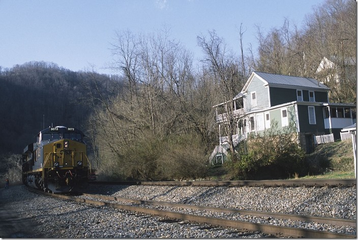 The RJC crew tightens the hand brakes to tie down the train. Soon a CSX crew will take the train to Hinton.