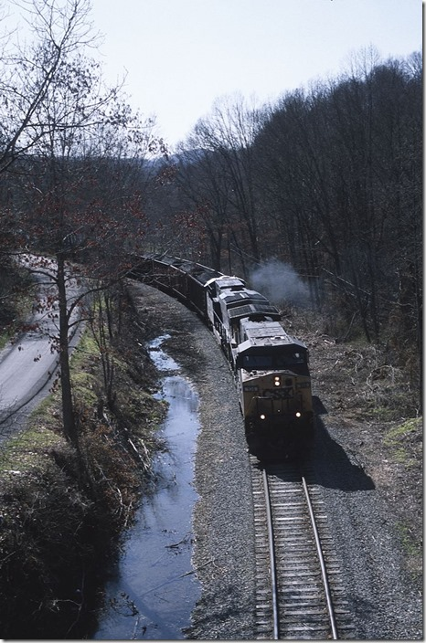 On the other end of Mount Hope, Z549-05 slowly rounds the curve under WV 16 at McDonald.