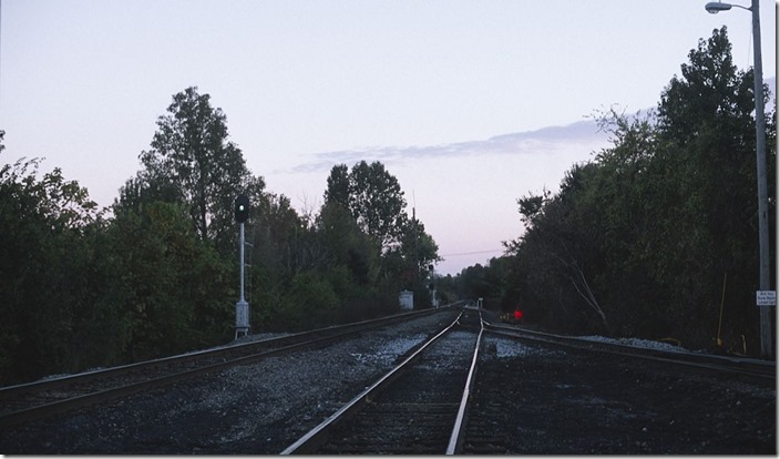 I stopped at the south end of Atkinson Yard. The scanner and this clear signal indicated that a southbound was approaching.